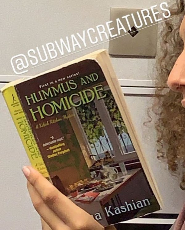 Books People Read In Subway (42 pics)
