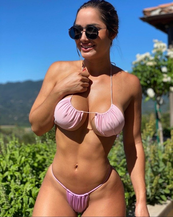 Bikini Girls (97 pics)