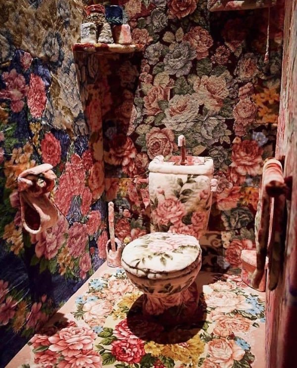 Weird Toilet Designs (28 pics)