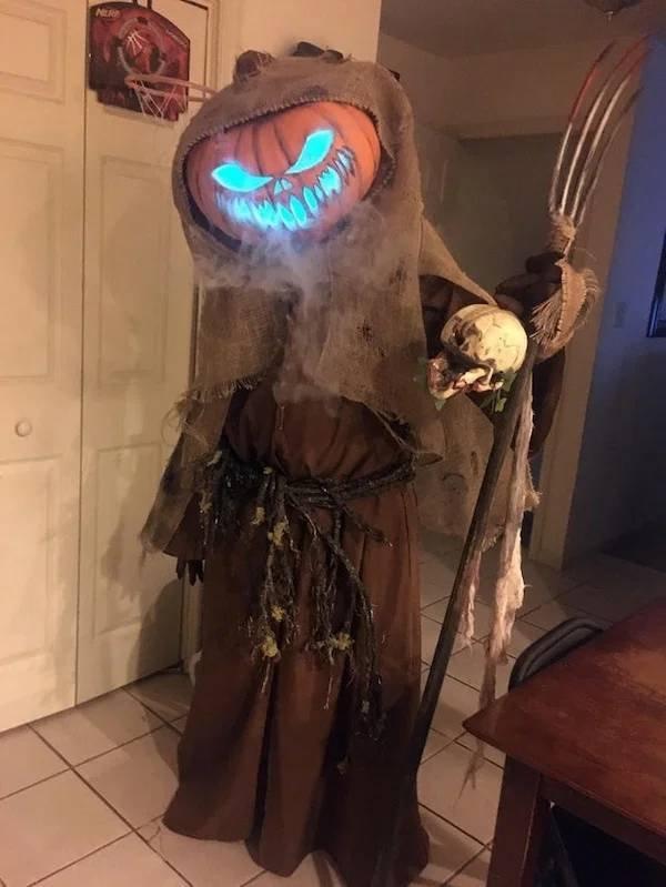 Halloween Costumes (55 pics)