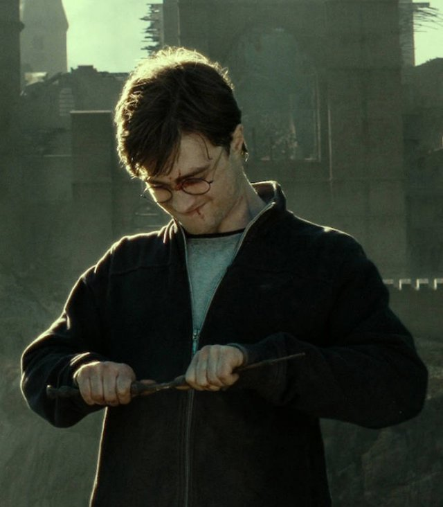 'Harry Potter' Book Facts That Were Omitted In Movies (18 pics)