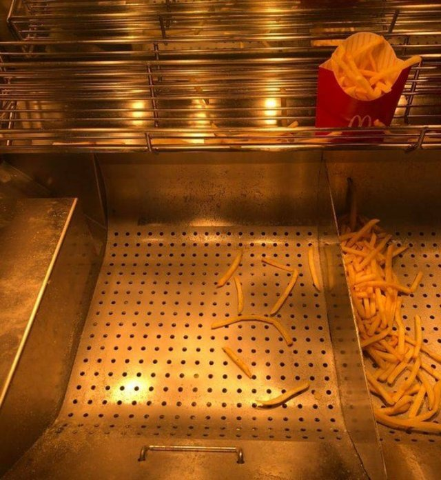 Fast Food Workers Struggles (20 pics)