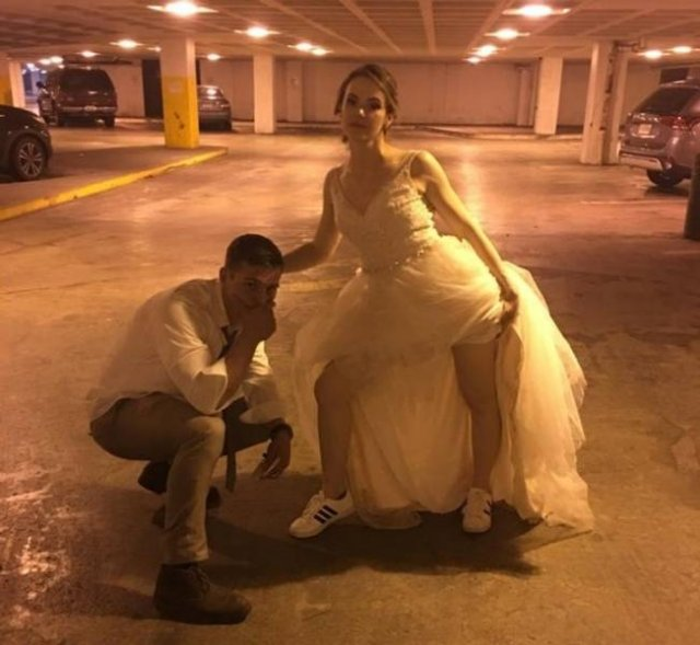 These People Saved Money On Their Wedding Days (24 pics)