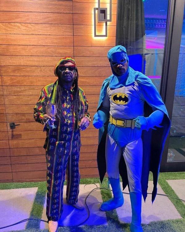 Celebrity Halloween 2020 Costumes (25 pics)