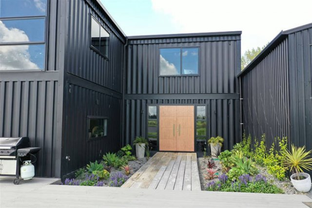 This Wonderful House Is Built Out Of 12 Shipping Containers (17 pics)