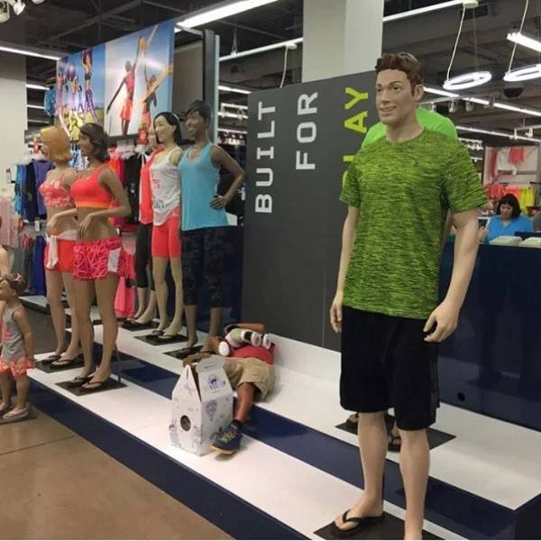 Shopping With Men (28 pics)
