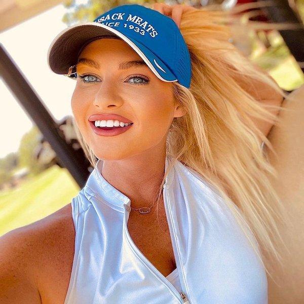 Golf Girls (32 pics)
