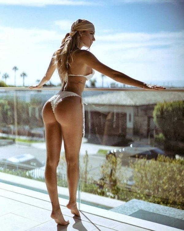Girls With Beautiful Legs (29 pics)