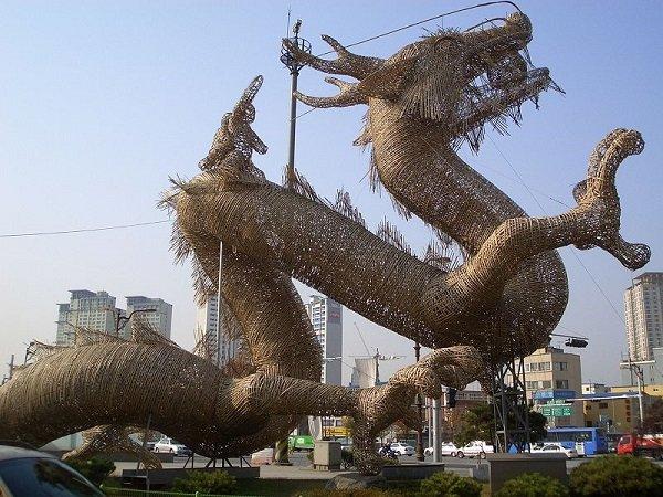 Dragons In World's Mythology (9 pics)