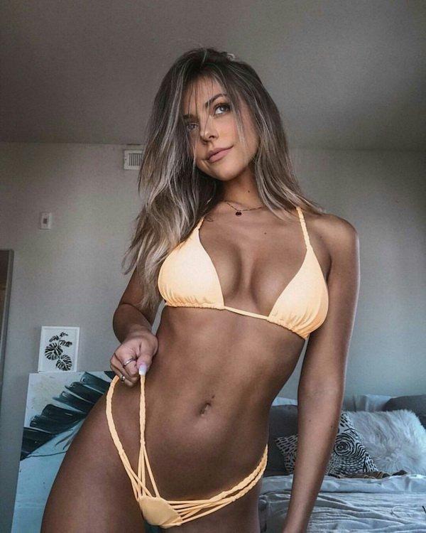 Bikini Girls (66 pics)