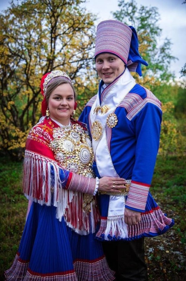 Traditional Wedding Outfits All Over The World (18 pics)