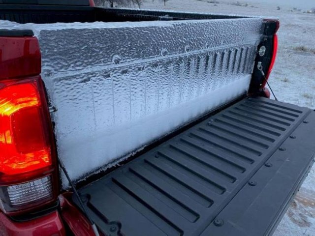 It's Very Cold (20 pics)