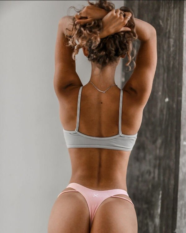 Girls With Tan Lines (34 pics)