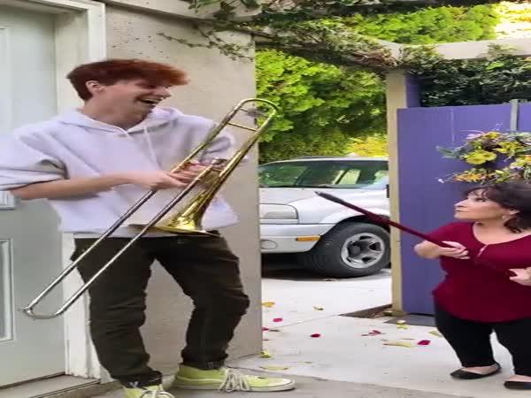 Trombone Son Strikes Again