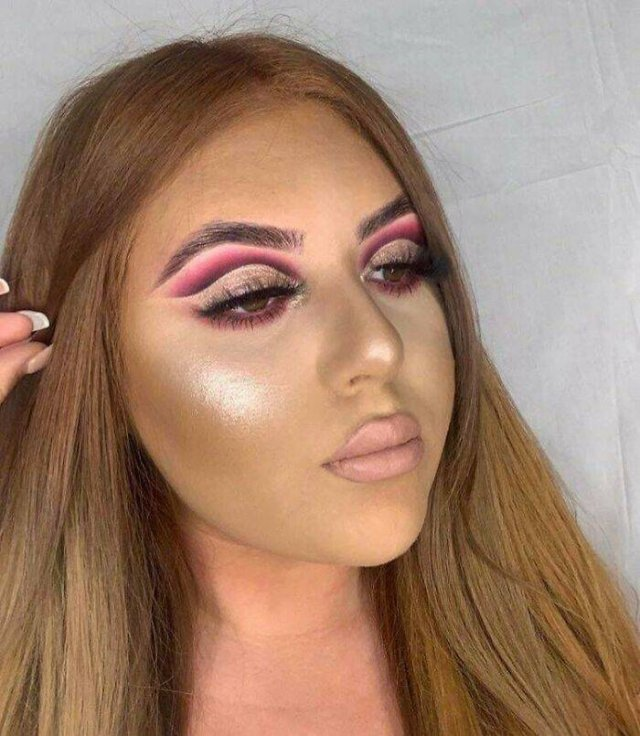 Too Much Makeup (37 pics)