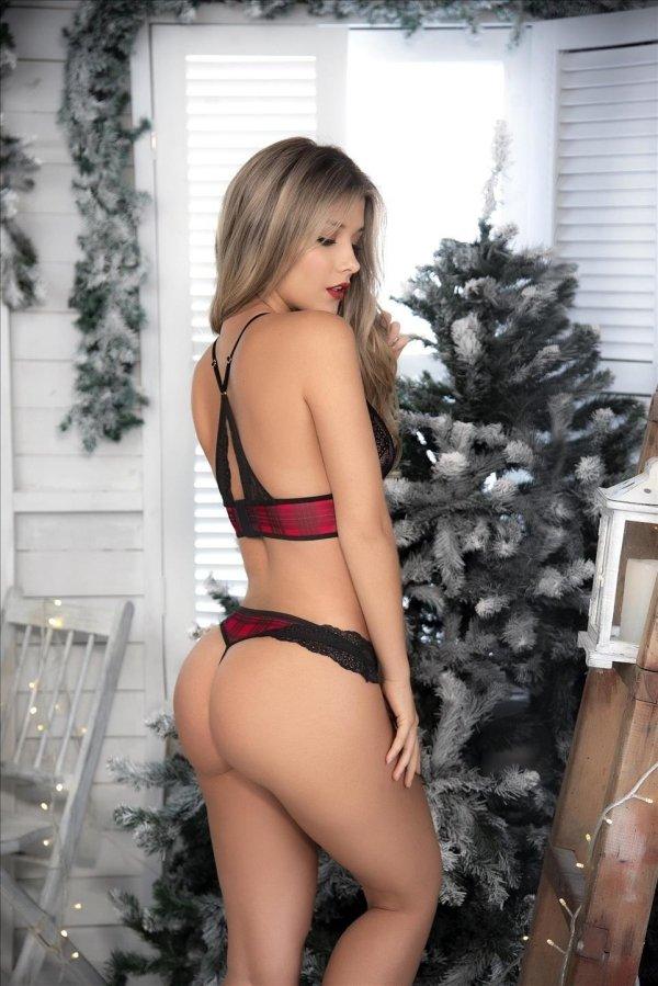 Christmas Girls (38 pics)