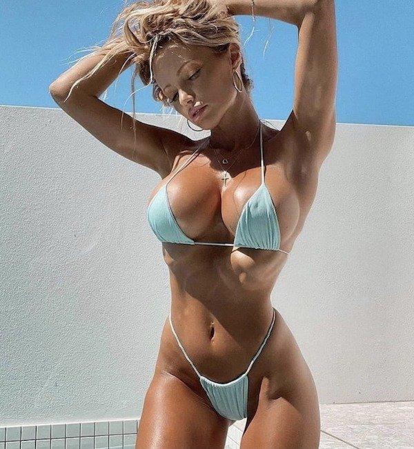 Bikini Girls (29 pics)