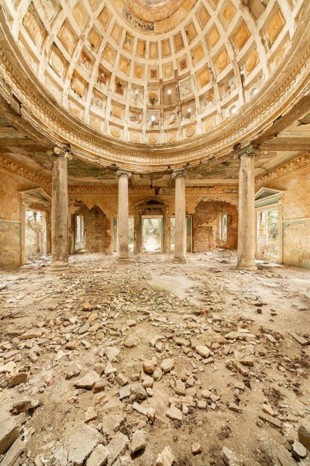 Beautiful Abandoned Places (34 pics)