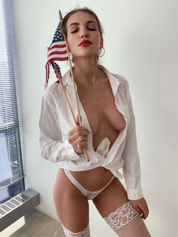 Bikini Girls (34 pics)