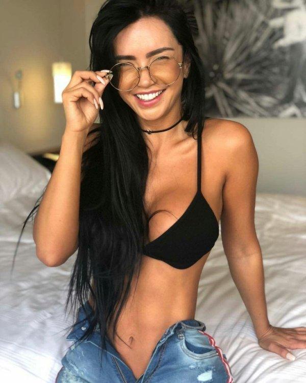 الفتيات ذات الابتسامات الجميلة (40 صورة)