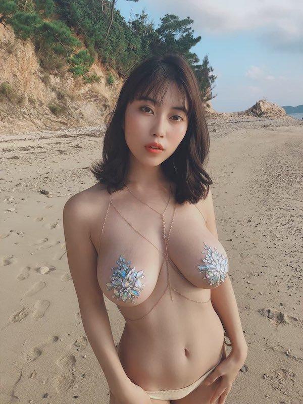 Asian Beauties (37 pics)