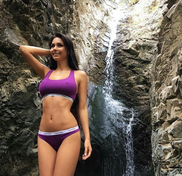 Beautiful Girls And Outdoors (41 pics)