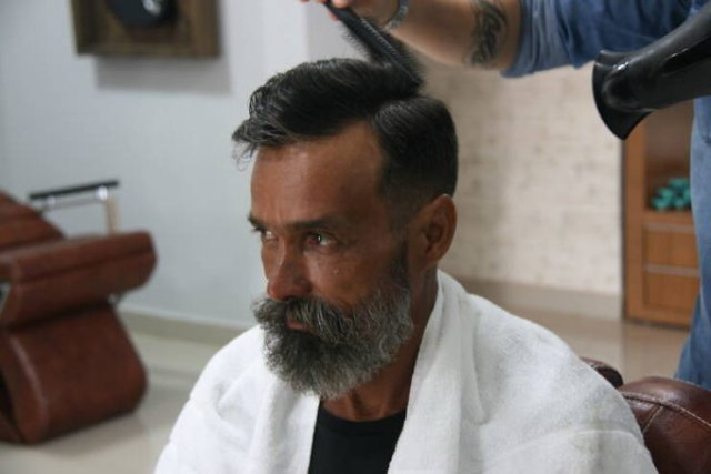 Fantastic Homeless Man Transformation (20 pics)