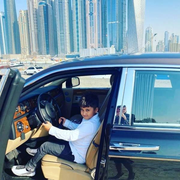 Rolls-Royce Birthday Present For 12-Year-Old Boy (12 pics)