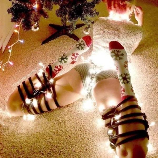 Christmas Girls (44 pics)