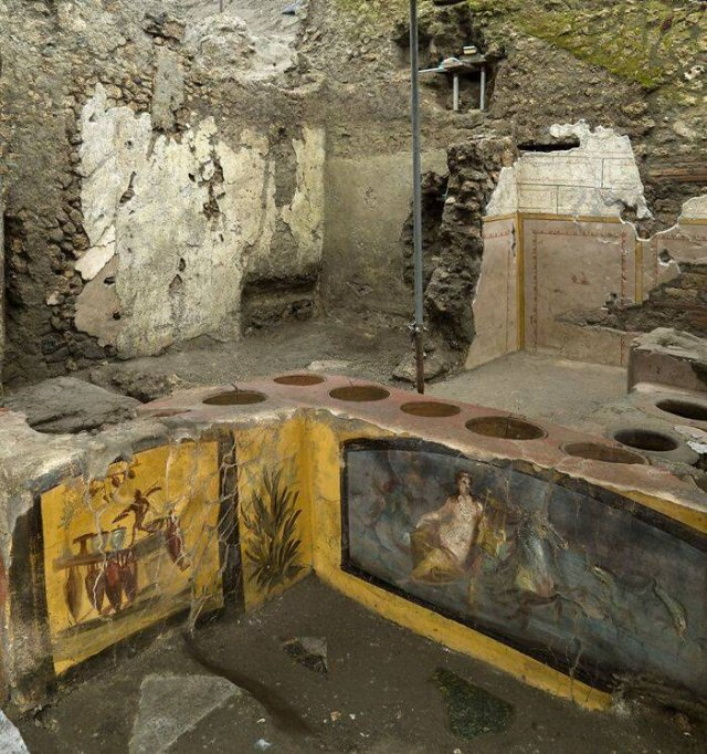 'Fast Food' Shop Was Discovered In Pompeii (19 pics)