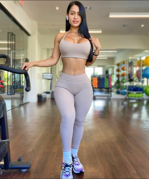 Sporty Girls (38 pics)