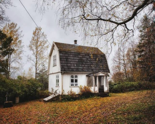 Abandoned Norwegian Homes By Norwegian Photographer (25 pics)