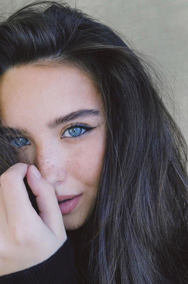 Blue-Eyed Beauties (33 pics)