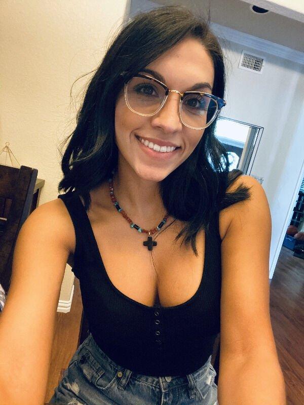 البنات في النظارات 31 صورة