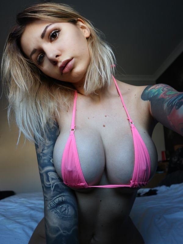 Bikini Girls (36 pics)