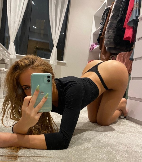 Bend At The Waist (32 pics)