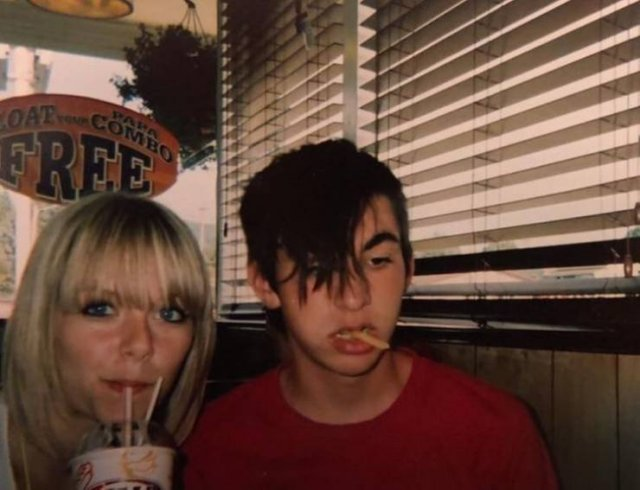 Teenage Photos People Would Like To Forget (19 pics)