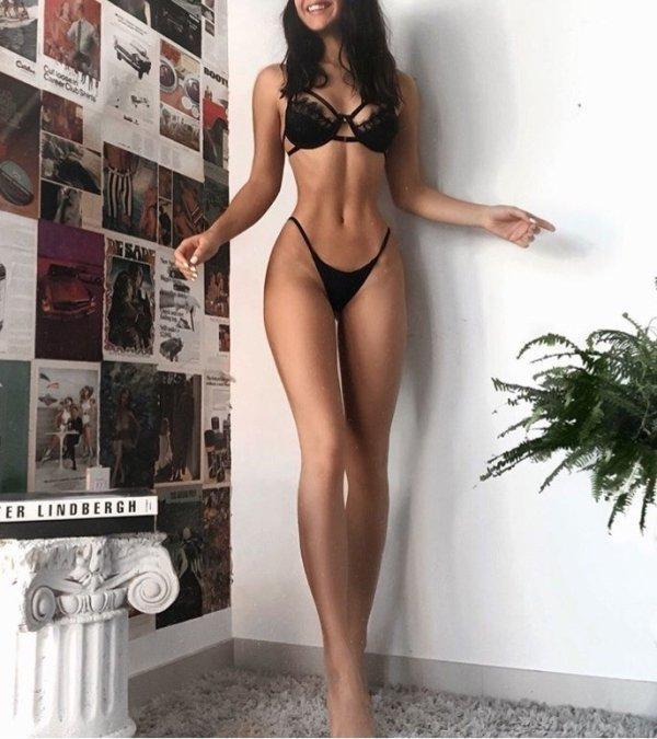 Hot Girls (50 pics)