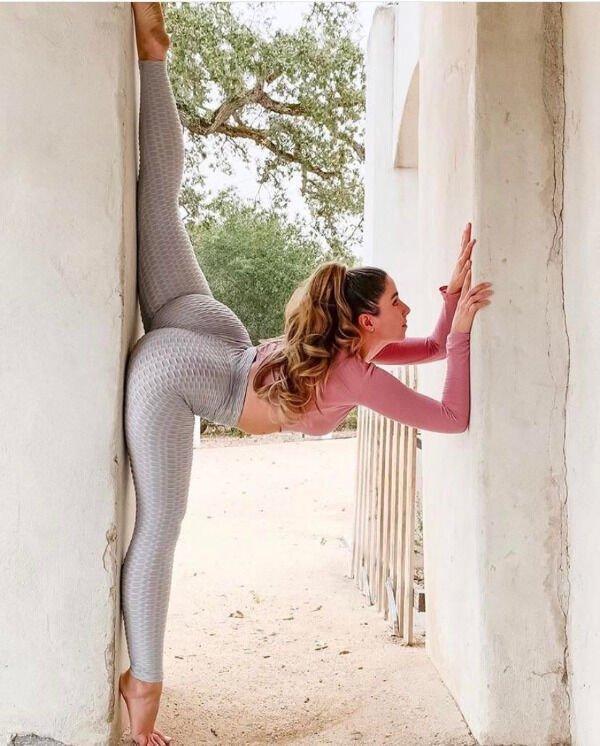 Flexible Girls (38 pics)