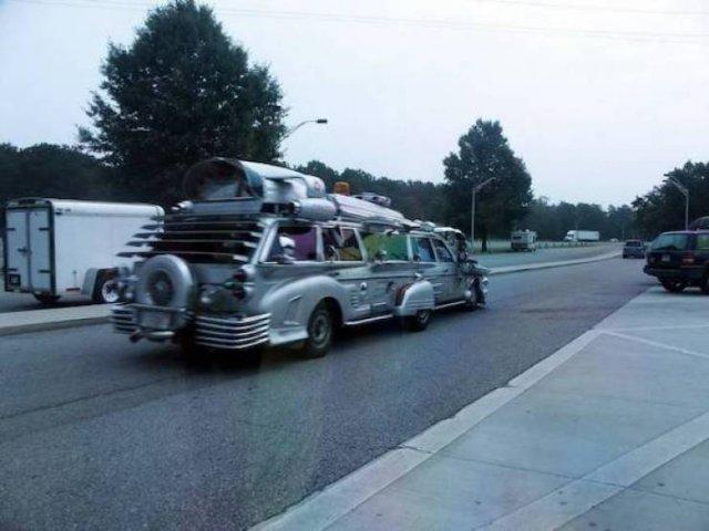 سيارات غريبة (34 صورة)