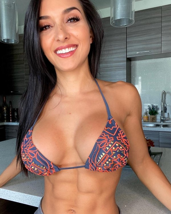 Girls With Beautiful Smiles (42 pics)