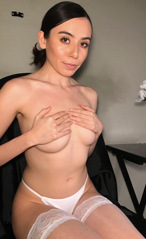 Hand Bras (37 pics)