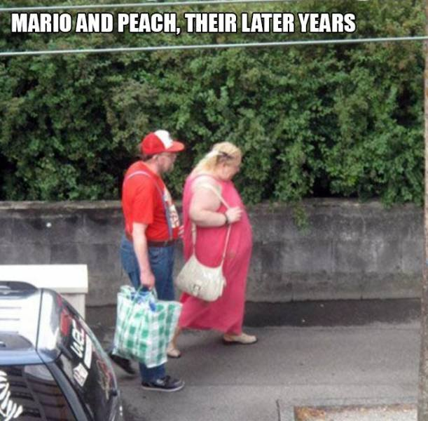 Accidental 'Super Mario' (16 pics)