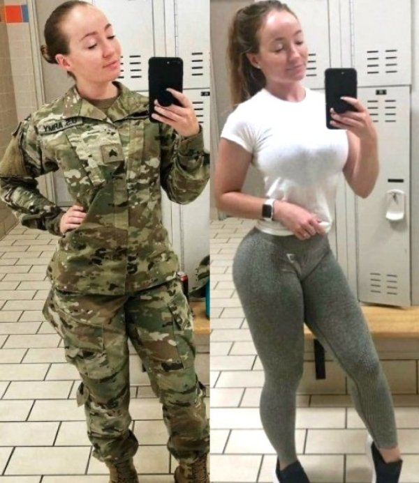Girls In Uniforms (23 pics)