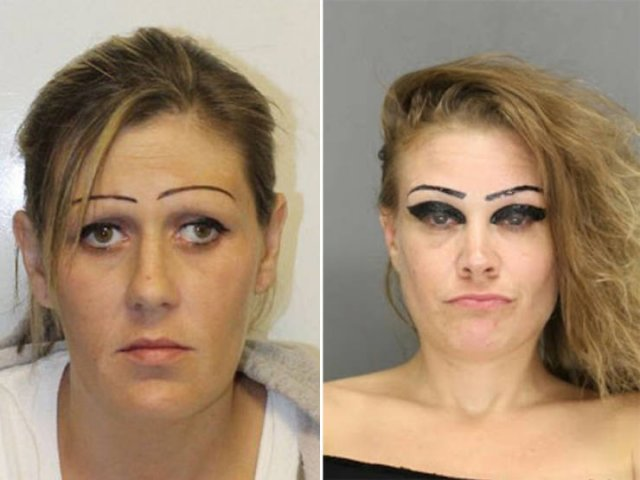 What's Wrong With Their Eyebrows? (23 pics)