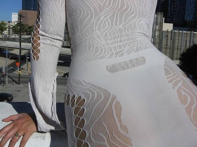 New Trend: Dresses With Holes (26 pics)