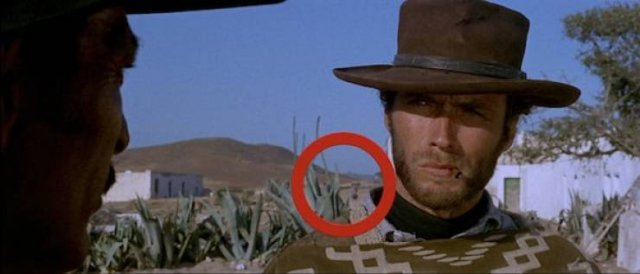 Movie Mistakes (17 pics)