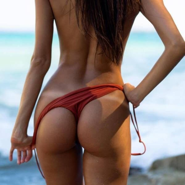 Girls With Tan Lines (35 pics)
