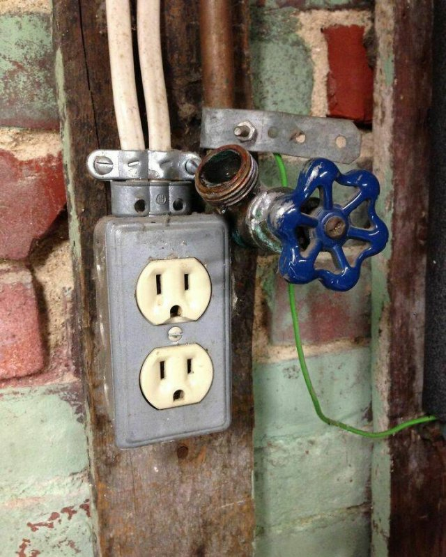 Home Inspectors Finds (38 pics)