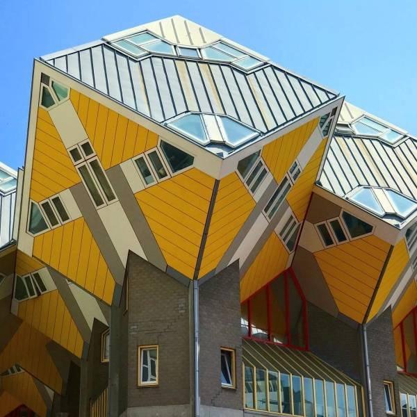 Beautiful And Unusual Buildings (19 pics)
